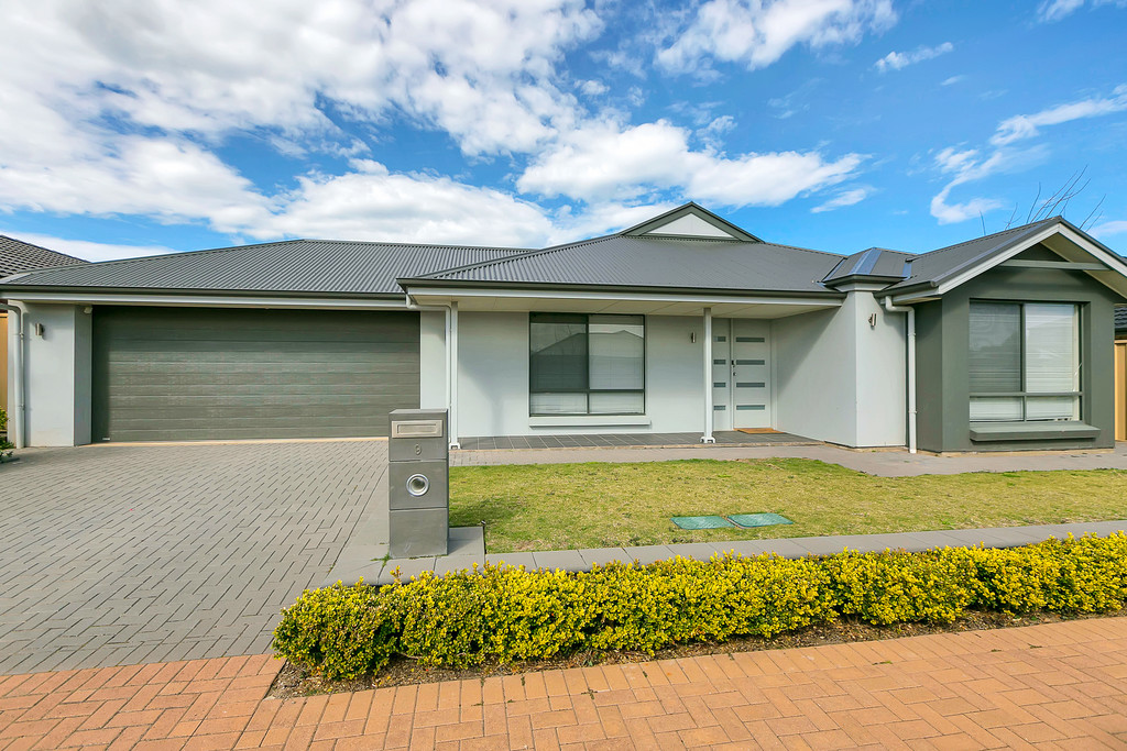 9 Dock Road, SEAFORD MEADOWS