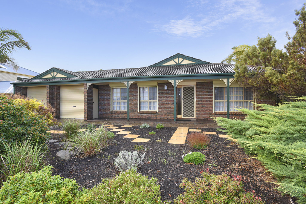 7 Elberry Close, MOANA