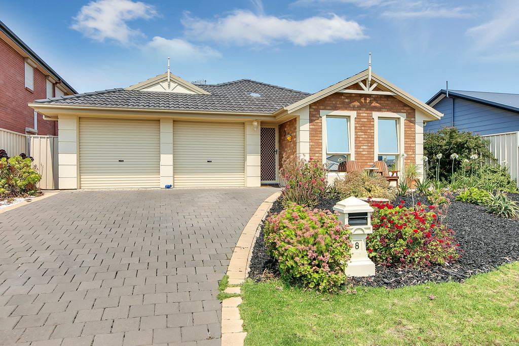 8 Oriana Drive, SELLICKS BEACH