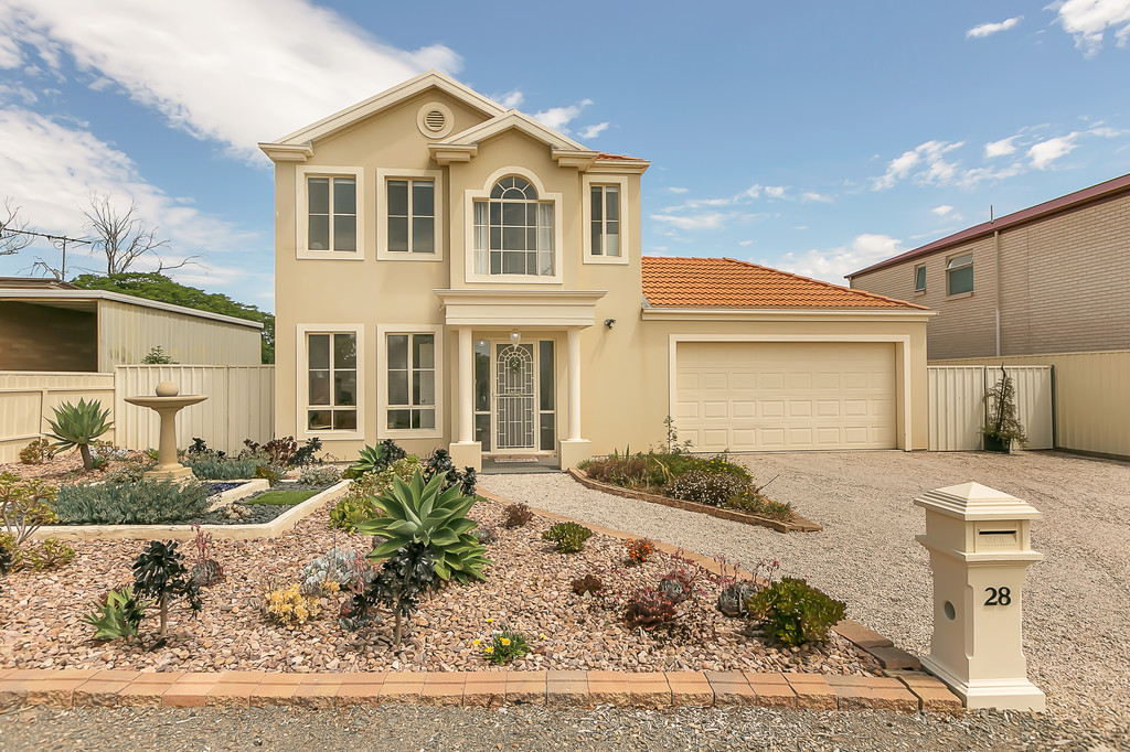 28 Grandview Avenue, MASLIN BEACH