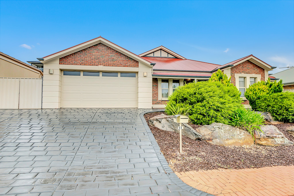 11 Brookside Crescent, SEAFORD RISE