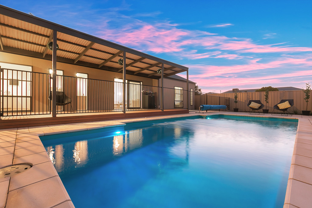 12 Elberry Close, MOANA