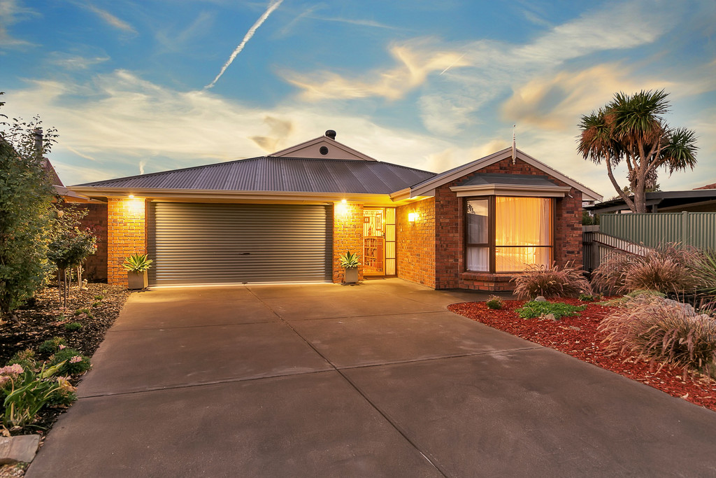 21 Nedland Crescent, PORT NOARLUNGA SOUTH