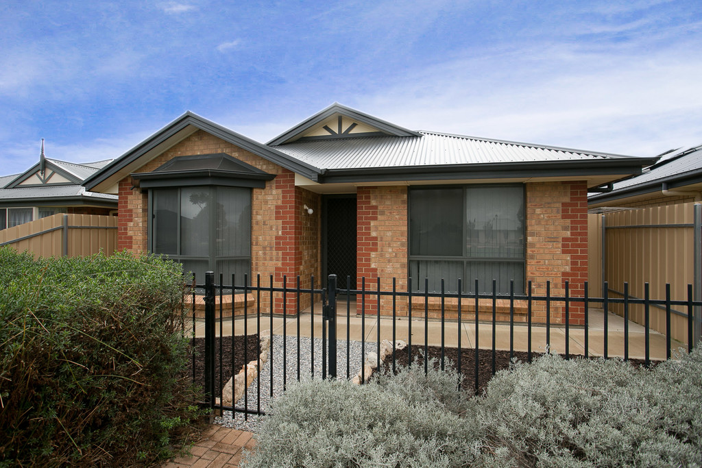 4 Enya Lane, SEAFORD MEADOWS