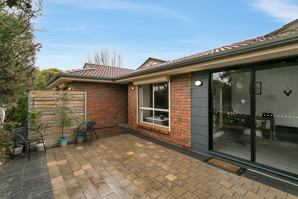 4 Martinique Drive, SEAFORD RISE