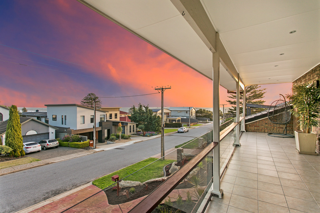 83 Second Avenue, MOANA