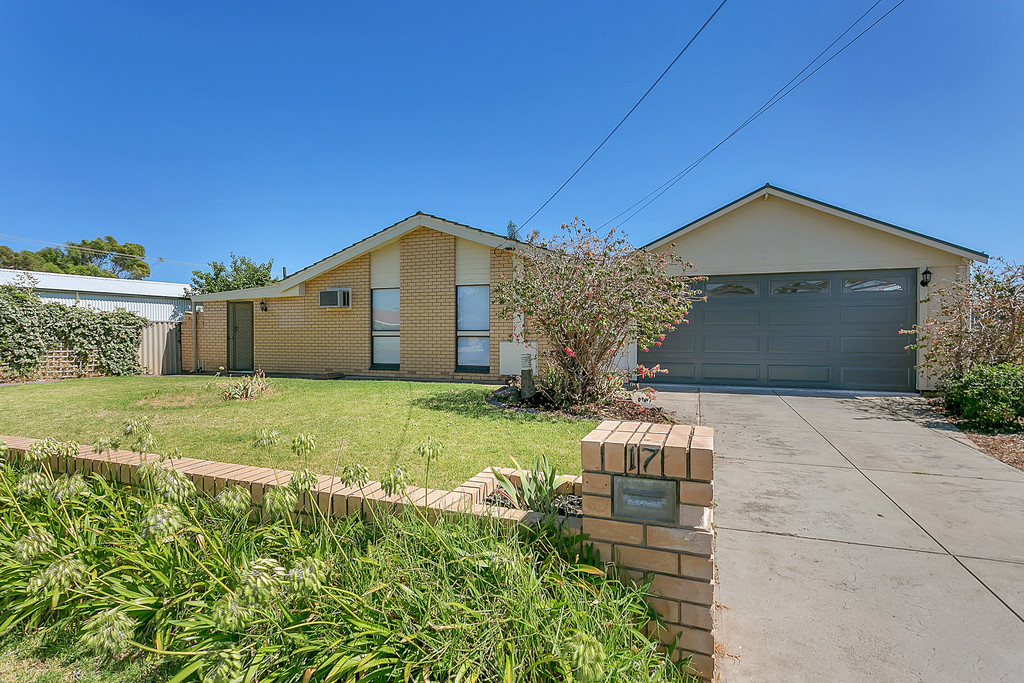 17 Lyndhurst Road, SEAFORD