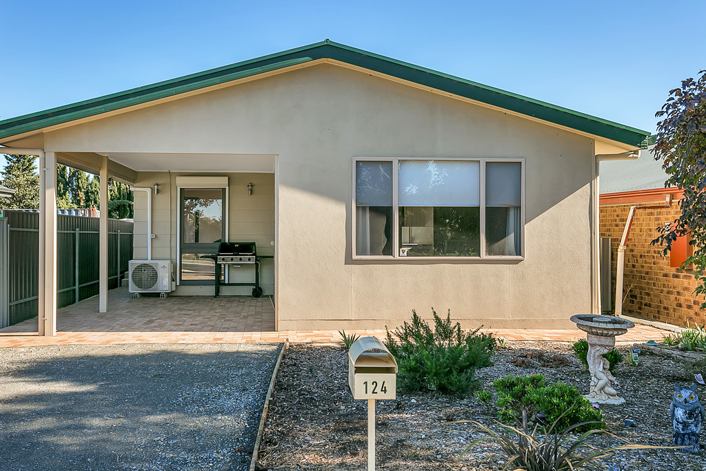 124 Old Coach Road, MASLIN BEACH