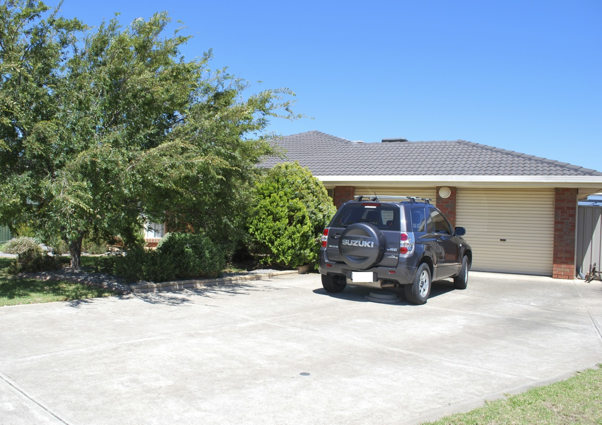 14 Meadfoot Close, MOANA